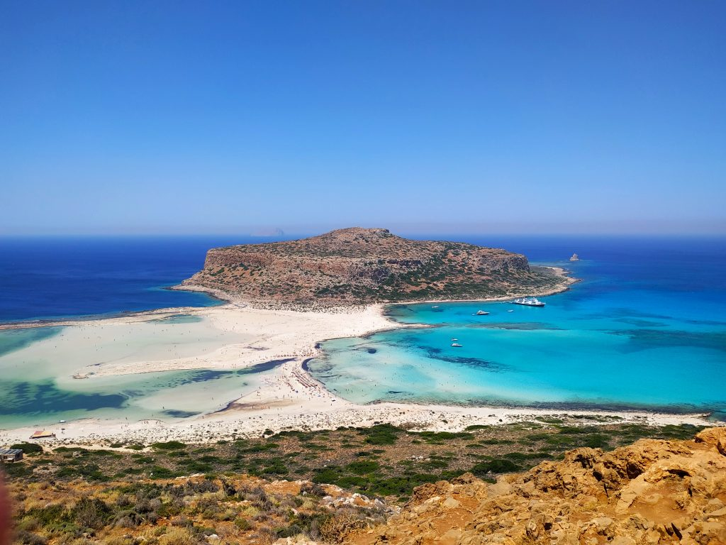 życie na Krecie jak jechać na lagunę Balos samochodem czy statkiem